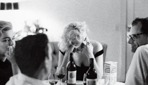 Zece sfaturi pentru a comanda vinul la restaurant
